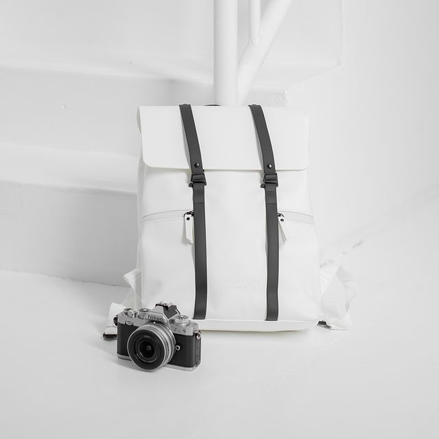 "Our white Spläsh 13"" shot by the creators at Nikon. Follow for more!⠀⠀⠀⠀⠀⠀⠀⠀⠀ ⠀⠀⠀⠀⠀⠀⠀⠀⠀ #anywherewithgl #gastonluga #spläsh13whiteblack #NikonZfc"