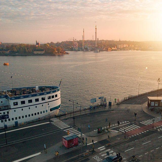 Slussen, Stockholm.⠀⠀⠀⠀⠀⠀⠀⠀⠀ ⠀⠀⠀⠀⠀⠀⠀⠀⠀ #anywherewithgl #gastonluga