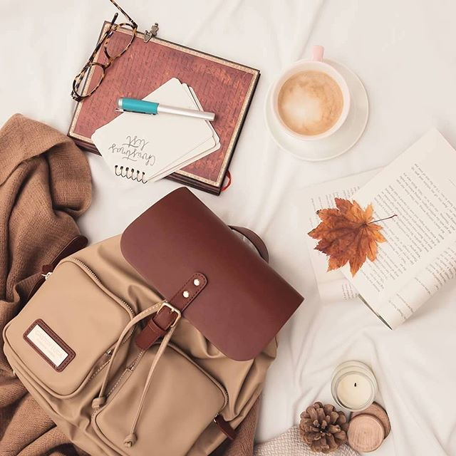 Stay chic with our Pärlan backpack in Brown & Sand! (Photo via @lavidaenquotes)⁠ ⁠ #PärlanBrownSand⁠ #walkswithGL #anywherewithGL #gastonluga⁠