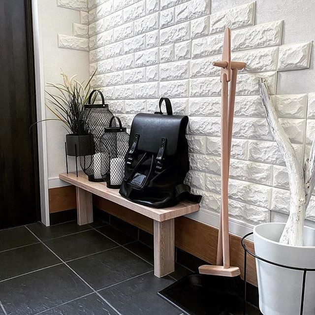 Wishing you a splendid Friday by presenting you our Pråper Black backpack.⁠ (Photo via @mario_k_gram)⁠ ⁠ #PråperBlack⁠ #walkswithGL #anywherewithGL #gastonluga⁠