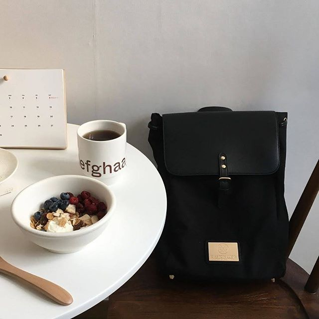 Enjoy your breakfast with our Clässy Black. ☕