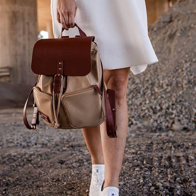 Pearls (Pärlan) are always appropriate - Jackie Kennedy (Photo via @annastormphoto)  #PärlanBrown&Sand #walkswithGL #anywherewithGL #gastonluga