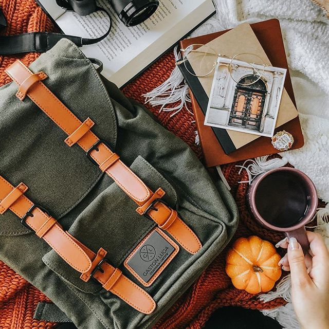 We have a challenge for you ✨ Tag us in your best fall pictures and stand a  chance to be featured on our instagram page. (Photo via @accio_library)  #ClässicOliveBrown #walkswithGL #anywherewithGL #gastonluga