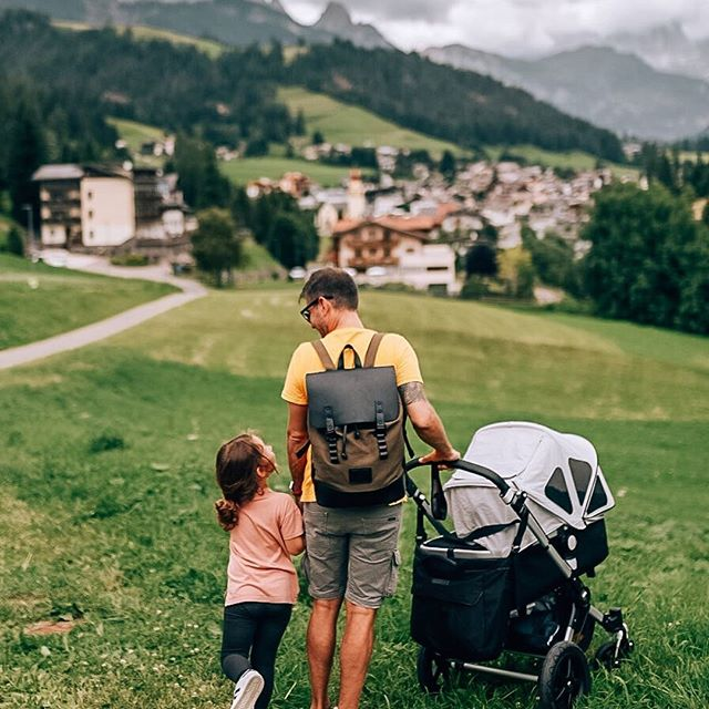 """""""Families are the compass that guides us. They are the inspiration to reach great heights, and our comfort when we occasionally falter."""" –Brad Henry (Photo via @most703)  #PråperOliveBlack #walkswithGL #anywherewithGL #gastonluga"""