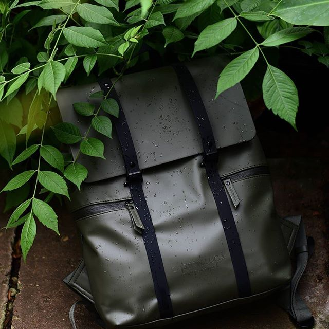 Leave the road, take the trails with our Spläsh backpack the travel companion you can take anywhere.