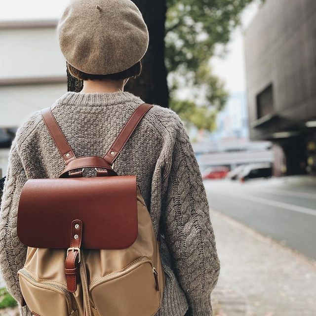We'd love to see all the amazing places you visit with your backpack. Remember to use our hashtag #AnywhereWithGL when posting and stand a chance to get featured. ❣️  (Photo via @___hibi.kiki) #GastonLuga #pärlansandbrown