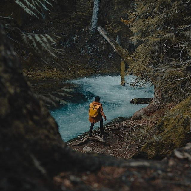 """""""We headed down to Central Oregon for this rewarding trail. I loved capturing these moments, both big & small ones, because they really encompass how we felt being there."""" - @ammarhabib   Share your journeys with us by using any of the following hashtags: #AnywhereWithGL #GastonLuga  . . #rullenmustardblack"""
