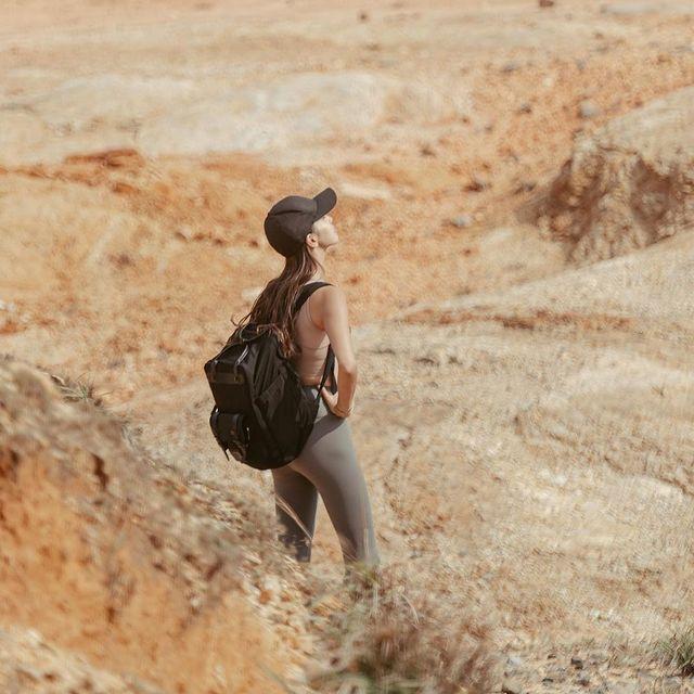 Take only memories, leave only footprints.   (Photo via @hien211) #AnywhereWithGL #GastonLuga #bitenblack